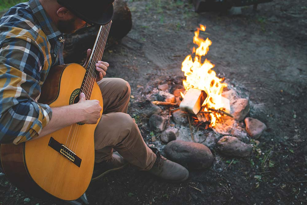 Best Guitar Campfire Songs – Top 7 All Time